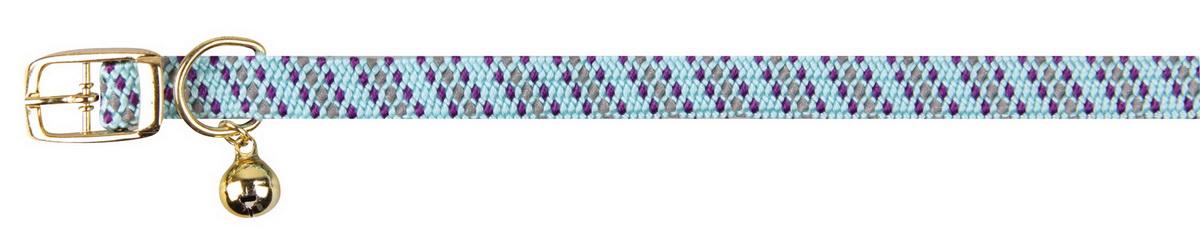 Ошейник для кошек Dezzie, с бубенчиком, цвет: голубой, обхват шеи 28 см, ширина 1 см. 56093880120710Ошейник, растягивающийся на резинке для кошек Dezzie, изготовленный из полиэстера, декорирован теснением и дополнен бубенчиком.Ошейник застегивается на металлическую пряжку.Бубенчик позволит контролировать местонахождение кошки, а также будет оберегать уличных птиц от нежелательного контакта.Имеется металлическое кольцо для крепления поводка. Обхват шеи: 28 см. Ширина ошейника: 1 см.