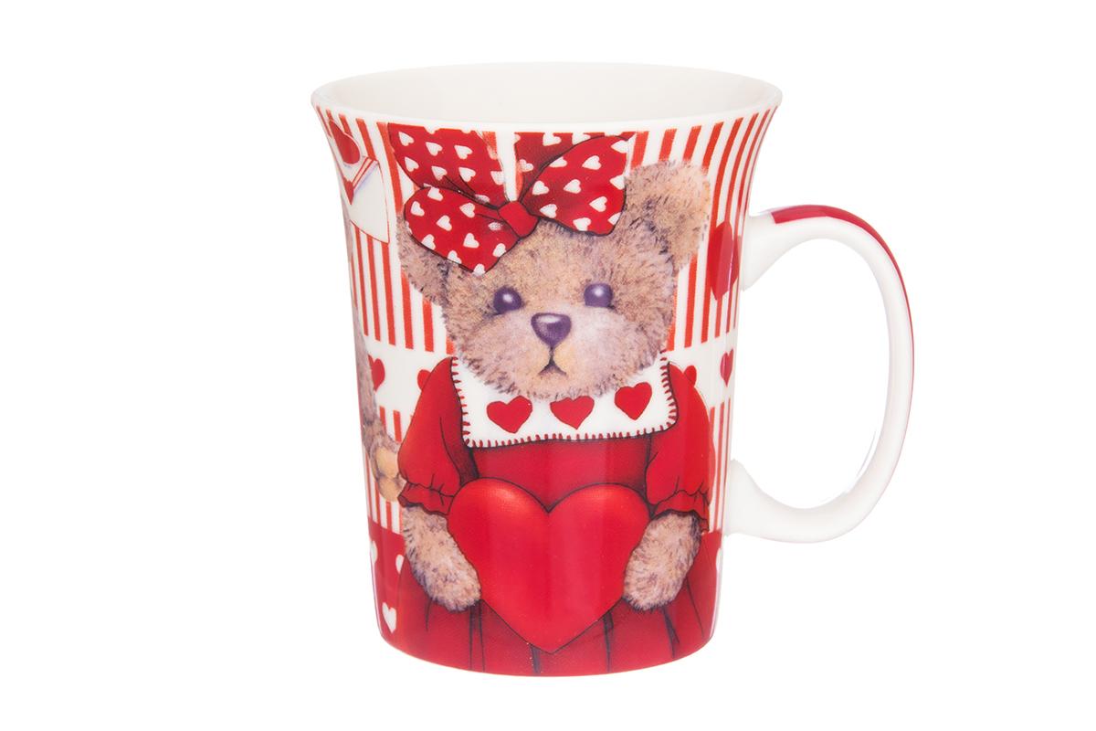 Кружка Elan Gallery Мишка с сердечками, 300 мл115510Кружка классической формы с удобной ручкой выполнена из высококачественного фарфора. Подходят для любых горячих и холодных напитков, чая, кофе, какао. Изделие имеет подарочную упаковку, поэтому станет желанным подарком для любимого человека и друга! Объём кружки: 300 мл.