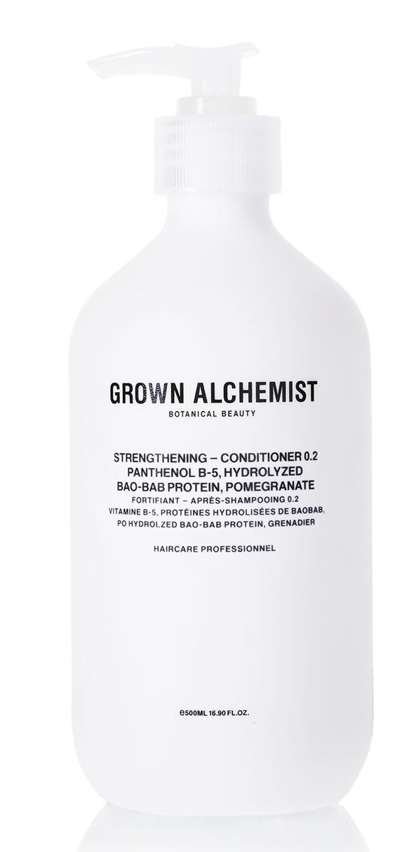 Grown Alchemist Укрепляющий кондиционер 500 млGRA0168Кондиционер с комплексом активных компонентов специально разработан для восстановления волос, ослабленных после химического воздействия, горячих укладок и контактов с окружающей средой. Делает волосы здоровыми на вид, увлажненными, мягкими и блестящими.