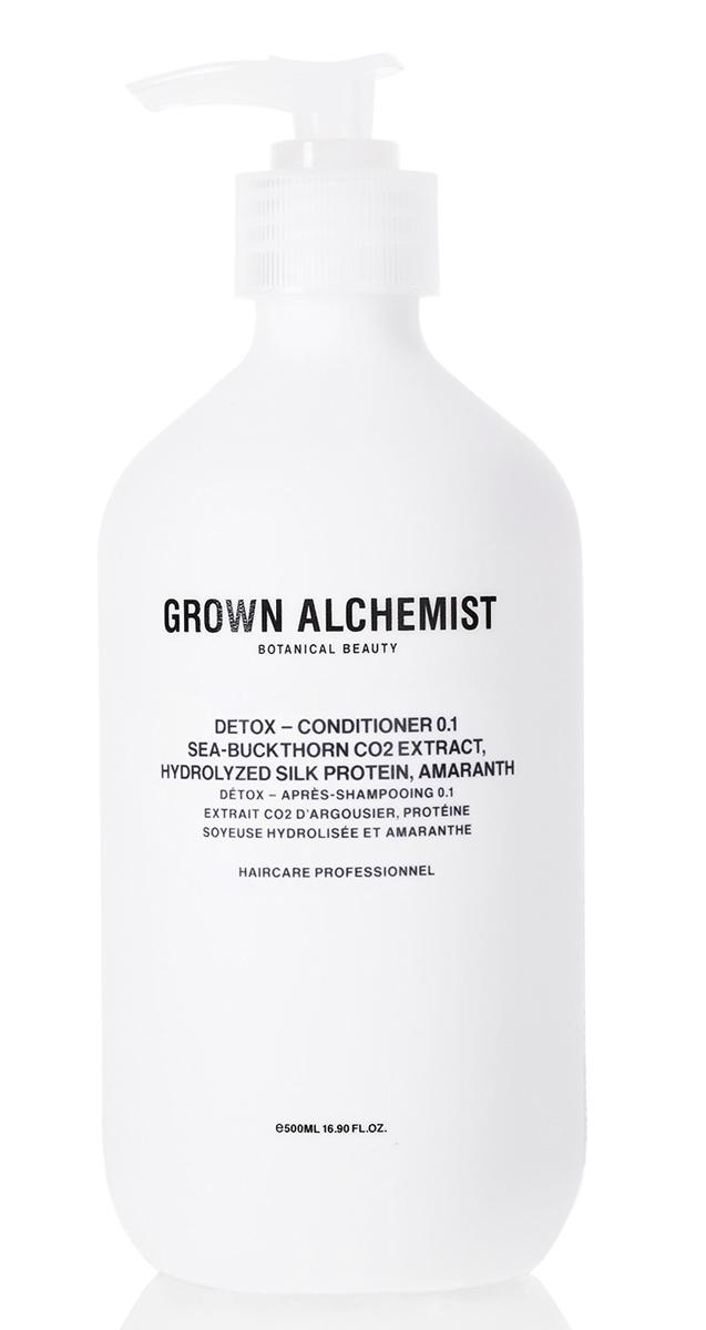 Grown Alchemist Детокс кондиционер 500 млGRA0174Высокоэффективный детокс-кондиционер для ежедневного использования. Очищает волосы и кожу головы от переработанных организмом свободных радикалов, появляющихся как из-за особенностей питания, так и из-за влияния окружающей среды (загрязнения воздуха, UVB/UVA-лучи). Кондиционер обладает защитными свойствами и придает волосам здоровый блеск, заметно укрепляет их, облегчает расчесывание.