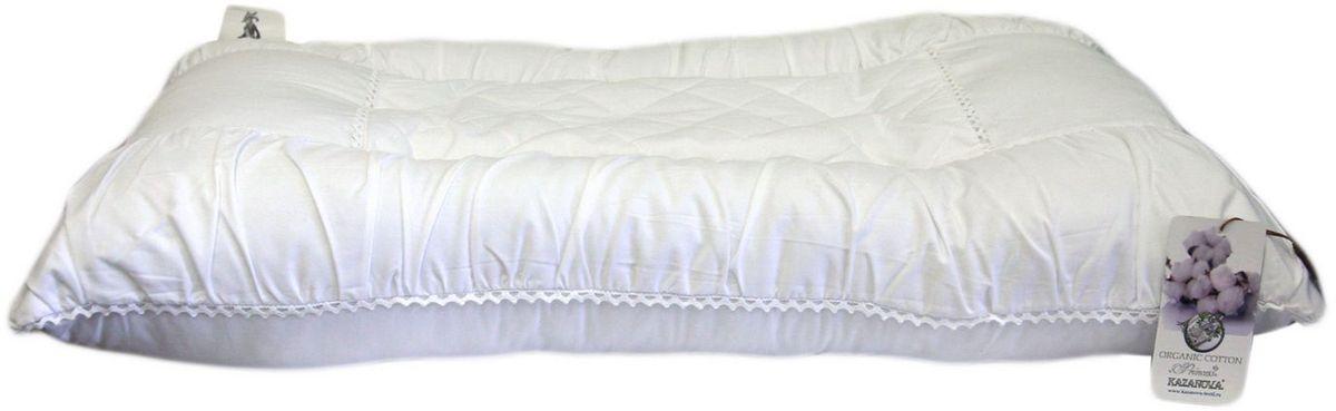 Подушка KAZANOV.A. Organic Cotton. Princess, цвет: белый, 50 x 70 смJ52-160-50x70Хлопковое волокно на 90% состоит из целлюлозы, благодаря чему обеспечивается прекрасная гигроскопичность. Подушки из хлопка не накапливают статическое электричество, хорошо пропускают воздух, обладают дезодорирующим и бактериостатическим эффектом. Его бактерицидные свойства препятствуют образованию пыли и неприятных запахов. Эфирные масла содержащиеся в волокнах эвкалипта испаряются во время сна и оказывают оздоравливающее влияние на кожу и организм в целом. Мягкий и лёгкий наполнитель для постельных принадлежностей, получают из волокон эвкалиптовых деревьев, выращенных на специальных, экологически чистых плантациях. Природный наполнитель обеспечивает великолепный теплообмен, что способствует созданию здорового и комфортного микроклимата во время сна. Так же немаловажно то, что изделия с наполнителем из эвкалиптового волокна могут подвергаться машинной стирке и очень просты в уходе. Все это великолепие в чехле из 100% хлопка не оставит равнодушным самого искушённого потребителя.