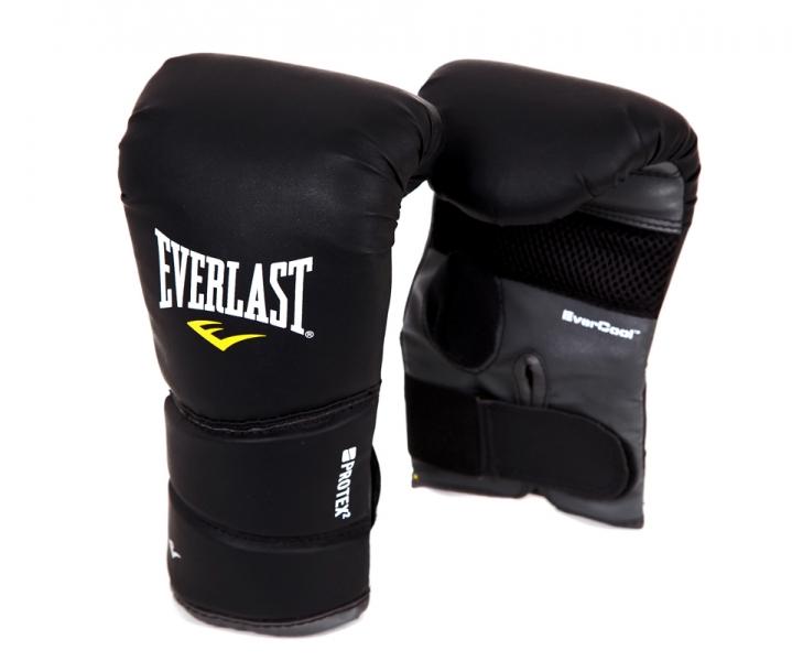 Перчатки снарядные Everlast Protex2. Размер S/M4311LXLUБоксерские перчатки Protex 2 Heavy Bag Gloves имеют следующие особенности: Мелкие отверстия по всей площади ладони обеспечивают сухость и прохладу. Новый облегченный дизайн без большого пальца. Высококачественный кожезаменитель гарантирует максимальную прочность и долговечность.
