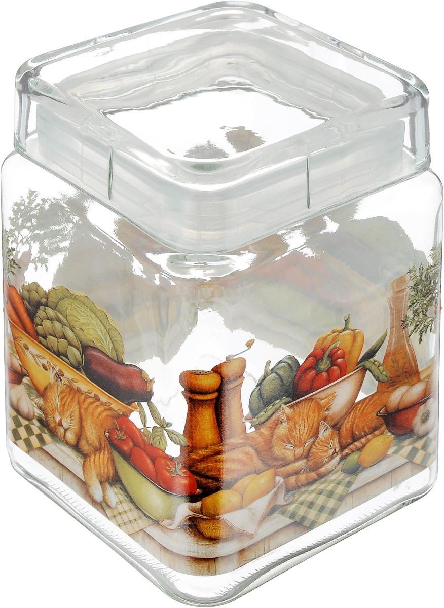 Банка для сыпучих продуктов SinoGlass Ленивый повар, 1,24 лSI-9358273-ALБанка для сыпучих продуктов SinoGlass Ленивый повар изготовлена из прочного стекла и оснащена крышкой, которая плотно закрывается благодаря пластиковой вставке на верхней части банки. Внутри сохраняется герметичность, и продукты дольше остаются свежими. Изделие предназначено для хранения различных сыпучих продуктов: круп, чая, сахара, орехов и много другого. Функциональная и вместительная банка станет незаменимым аксессуаром на любой кухне. Объем: 1,24 л. Размер основания: 11 х 11 см. Высота банки (с учетом крышки): 15,5 см.