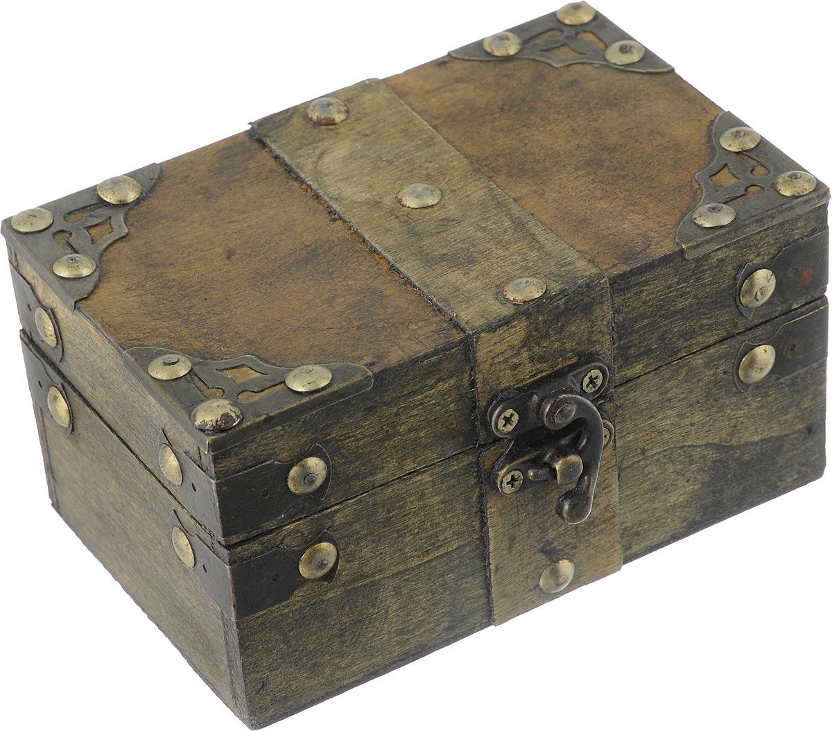 Шкатулка декоративная Bestex, 14 х 9 х 7,5 см7716745Декоративная шкатулка Bestex, выполненная в виде старинного сундука, идеально подойдет для хранения бижутерии, принадлежностей для шитья, различных мелочей и безделушек. Изделие выполнено из МДФ и декорировано металлическими элементами. Закрывается на металлический курковый замок. Такая шкатулка станет отличным подарком человеку, ценящему необычные и стильные аксессуары.