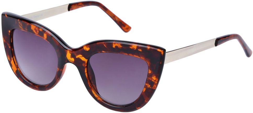 Очки солнцезащитные женские Fabretti, цвет: коричневый, золотистый, сиреневый. J173961-2GJ173961-2GЯркие женские очки от итальянского бренда Fabretti выполнены в стильной форме кошачьего глаза. Янтанрый цвет и дужки в стальном оттенке призваны добавить в ваш образ нотку настоящего итальянского шика. Дизайнерская широкая оправа воссоздает элегантность 50-х годов, поэтому аксессуар понравиться всем любительницам ретро-стиля. Градиентное покрытие линз, высокая степень защиты от солнечных лучей и надежное крепление дужек, - все это превращает модель в прочные и стильные очки, которые будут украшать вас на протяжении нескольких модных сезонов.