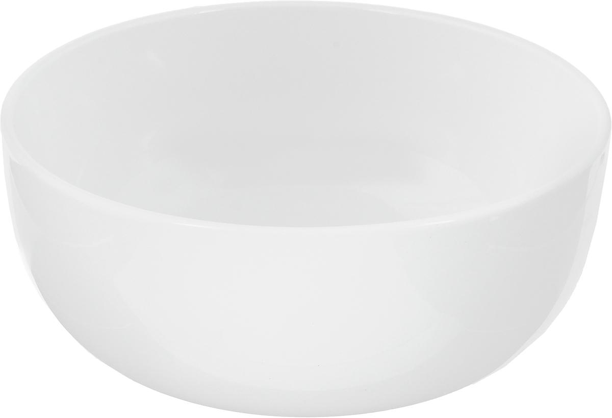 Салатник Ariane Прайм, 1,3 л115510Салатник Ariane Прайм, изготовленный из высококачественного фарфора с глазурованным покрытием, прекрасно подойдет для подачи различных блюд: закусок, салатов или фруктов. Такой салатник украсит ваш праздничный или обеденный стол.Можно мыть в посудомоечной машине и использовать в микроволновой печи.Диаметр салатника (по верхнему краю): 18 см.Диаметр основания: 9 см.Высота стенки: 8 см.Объем салатника: 1,3 л.