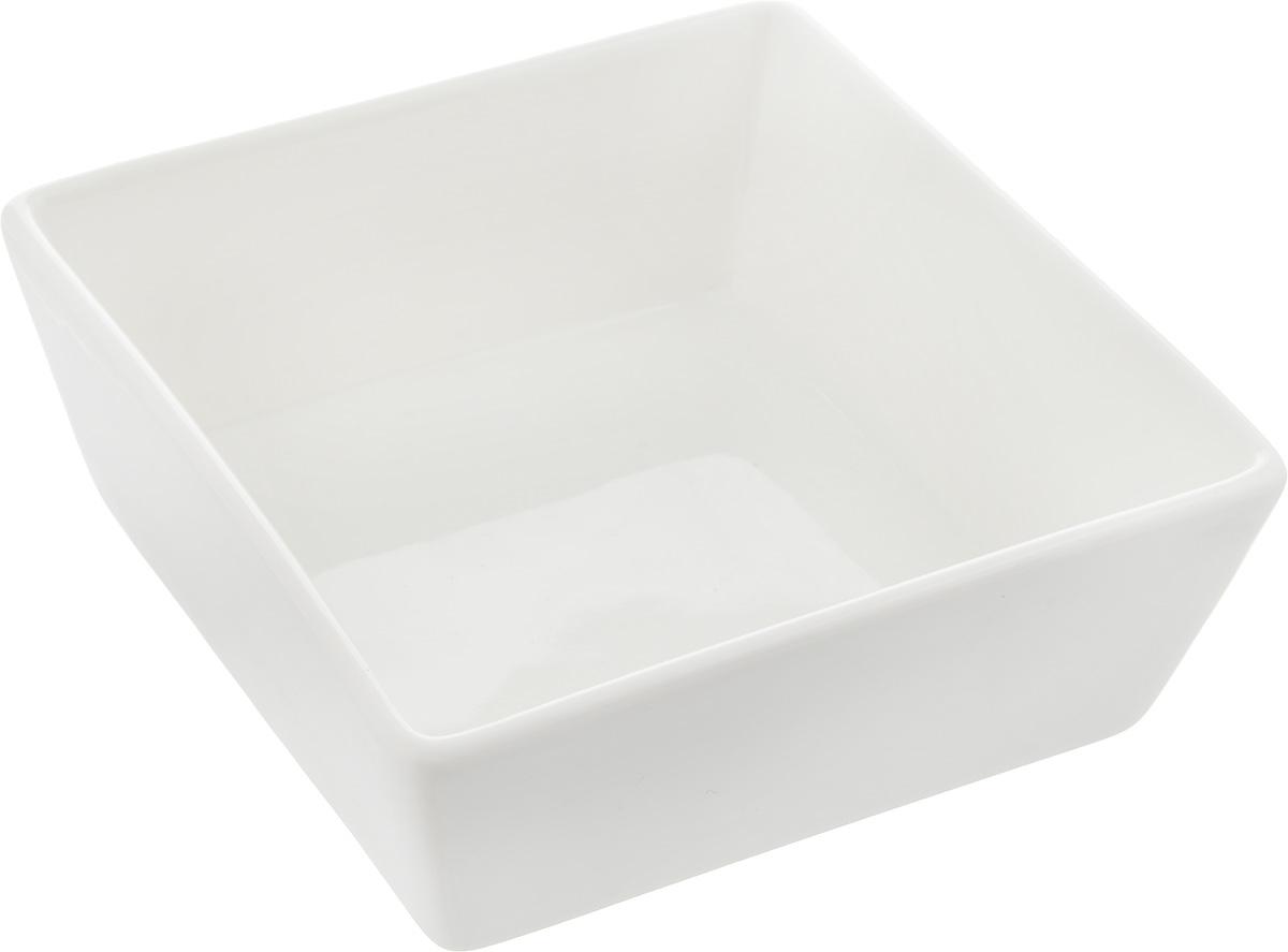 Салатник Ariane Джульет, 250 млAJSARN11012Салатник Ariane Джульет, изготовленный из высококачественного фарфора с глазурованным покрытием, прекрасно подойдет для подачи различных блюд: закусок, салатов или фруктов. Такой салатник украсит ваш праздничный или обеденный стол. Можно мыть в посудомоечной машине и использовать в микроволновой печи. Размер салатника (по верхнему краю): 12 х 12 см. Высота стенки: 4,5 см. Объем салатника: 250 мл.