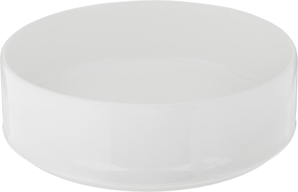 Салатник Ariane Прайм, 580 млAPRARN21016Салатник Ariane Прайм, изготовленный из высококачественного фарфора с глазурованным покрытием, прекрасно подойдет для подачи различных блюд: закусок, салатов или фруктов. Такой салатник украсит ваш праздничный или обеденный стол. Можно мыть в посудомоечной машине и использовать в микроволновой печи. Диаметр салатника (по верхнему краю): 15,5 см. Диаметр основания: 14,5 см. Высота стенки: 5 см. Объем салатника: 580 мл.