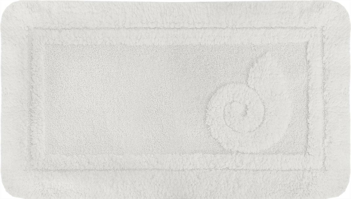 Коврик для ванной Spirella Escargot, цвет: белый, 70 x 120 см80653Коврик Spirella Escargot, белого цвета выполнен из натурального хлопка. Материал из хлопка практически идеально впитывает влагу и быстро высыхает. Износостойкое волокно длительное время сохраняет первоначальный цвет и внешний вид. Прорезиненная основа коврика позволяет использовать его во влажных помещениях, предотвращает скольжение коврика по гладкой поверхности, а также обеспечивает надежную фиксацию ворса. Фабричная обработка кромки коврика увеличивает срок службы изделия и улучшает его внешний вид. Размер коврика: 70 см х 120 см.