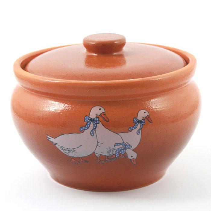 Горшок для запекания Ломоносовская керамика Гуси, с крышкой, 1,5 л3ГГ-12Горшок для запекания Ломоносовская керамика с крышкой выполнен из высококачественной глины. Уникальные свойства глины и толстые стенки изделия обеспечивают эффект русской печи при приготовлении блюд. Блюда, приготовленные в керамическом горшке, получаются нежными и сочными. Вы сможете приготовить мясо, сделать томленые овощи и все это без капли масла. Это один из самых здоровых способов готовки.