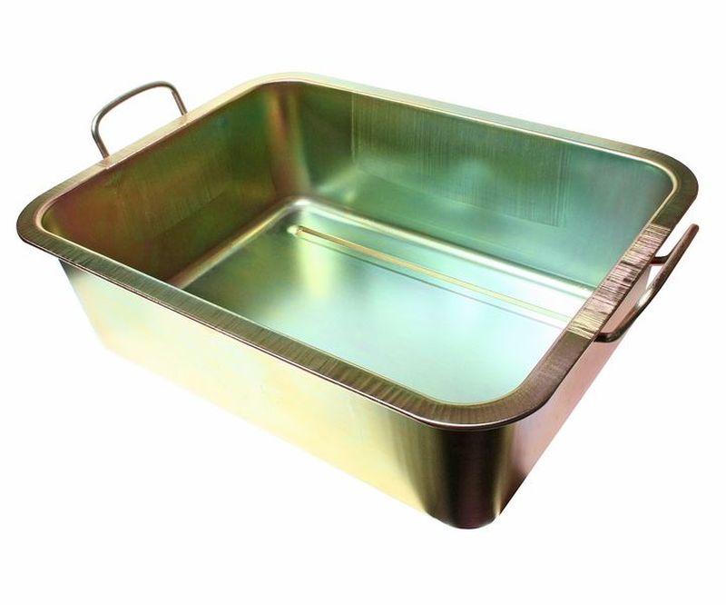 Емкость для слива масла JTC, металлическая, 22 лJTC-AM48Емкость для слива масла JTC представляет собой металлическую ванну небольших размеров. С помощью данного приспособления процесс замены масла в транспорте, а также в других различных механизмах и агрегатах становится значительно проще и удобнее. Ванна надежно защищена от воздействия коррозии и устойчива к различным механическим воздействиям, что обеспечивает продолжительный срок службы изделия. Размеры изделия: 49 х 37 х 15 см.