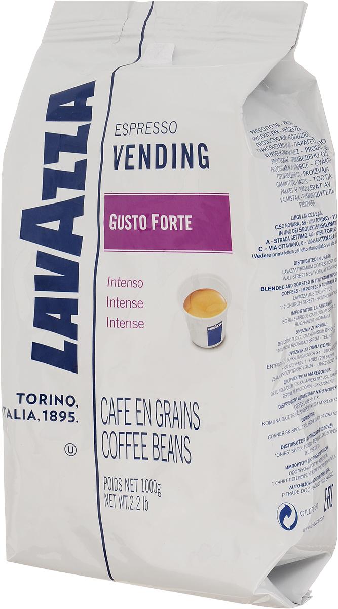 Lavazza Gusto Forte Vending кофе в зернах, 1 кг8000070028685Это самый крепкий кофе линейки Lavazza, состоящий из 100% зерен робусты, собранной в Африке и Азии. Смесь характеризуется выразительным насыщенным вкусом со сладким привкусом, многогранным крепким ароматом с долгим обволакивающим послевкусием и стойкой высокой пенкой. Темная обжарка зерен сообщает терпкость и крепость. Смесь великолепно подходит для приготовления традиционного итальянского эспрессо в кофемашинах любых типов. Уважаемые клиенты! Обращаем ваше внимание на то, что упаковка может иметь несколько видов дизайна. Поставка осуществляется в зависимости от наличия на складе.