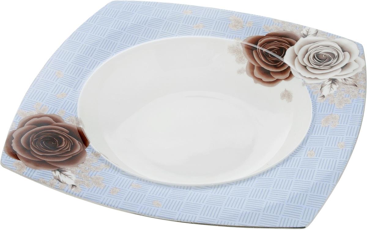 Тарелка глубокая Дэниш, 25 x 25 смPR7987Глубокая тарелка Дэниш, выполненная из высококачественного фарфора, предназначена для подачи супов и других жидких блюд. Она прекрасно впишется в интерьер вашей кухни и станет достойным дополнением к кухонному инвентарю.