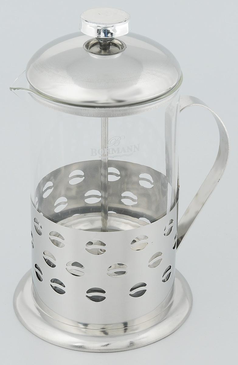 Френч-пресс Bohmann Зерна, 800 млCM000001326Френч-пресс Bohmann Зерна станет прекрасным выбором для повседневного использования, встречи гостей или небольших вечеринок. Колба, изготовленная их закаленного стекла, сохранит свежесть и аромат напитка. А конструкция френч-пресса встроенного в крышку, прекрасно отфильтрует чай и кофе от заварочной гущи. Удобная ручка обеспечит надежную фиксацию в руке. Утолщенный ободок колбы повышает прочность и продлевает срок службы изделия. Насыпьте чай или кофе в стеклянную колбу, добавьте горячей воды и закройте стакан пресс-фильтром. Подождите 3-5 минут, затем медленно опустите пресс-фильтр до упора. Приятного чаепития!Френч-пресс Bohmann Зерна позволит быстро и просто приготовить чай или свежий и ароматный кофе. Объем: 800 мл.Диаметр (по верхнему краю): 9,5 см. Высота стенки: 17 см.