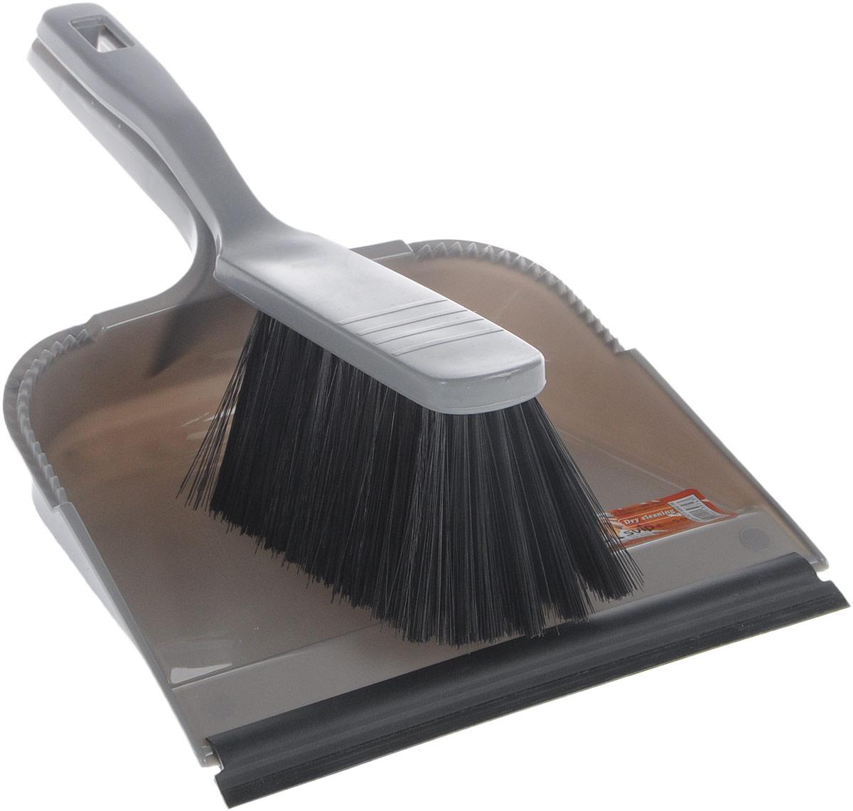Набор для уборки Svip София, с кромкой, цвет: серый, 2 предметаSV3028СБНабор для уборки Svip София состоит из щетки-сметки и совка, выполненных из полипропилена. Он станет незаменимым помощником в деле удаления пыли и мусора с различных поверхностей. Ворс щетки достаточно длинный, что позволяет собирать даже крупный мусор. Края совка оснащены зубчиками для чистки щетки после ее использования. Совок имеет резиновую кромку, благодаря которой удобнее собирать мусор. Ручка совка позволяет прикреплять его к рукоятке щетки. На рукояти изделий имеется специальное отверстие для подвешивания. Длина щетки-сметки: 28 см. Длина ворса: 6,5 см. Размер рабочей поверхности совка: 21,5 см х 19,5 см. Размер совка (с учетом ручки): 33,2 см х 21,5 см х 6 см.
