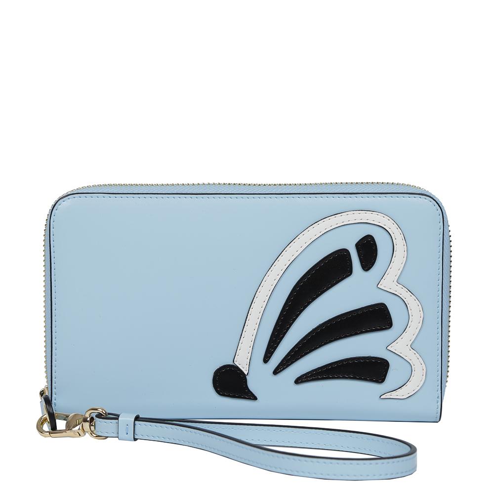 Кошелек женский Leo Ventoni, цвет: голубой. L330992L330992-l.blueЭксклюзивный женский кошелек от итальянского бренда Leo Ventonii выполнен из натуральной кожи с невероятно мягкой и гладкой фактурой. Изысканный голубой оттенок в сочетании с черным и белым цветом превращают кошелек в один из самых актуальных аксессуаров этой весной. Дизайнерская аппликация в виде бабочки понравится всем любительницам современных тенденций моды. Внутри изделия находятся шесть отделений для купюр, одно из которых предназначено для монет и закрывается на удобную молнию. Вы также сможете разместить свои дисконтные и кредитные карточки с помощью 8 карманов. Аксессуар закрывается на молнию с модным поводком.