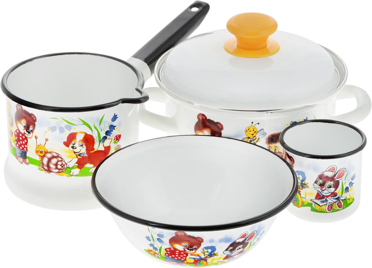 Набор посуды КМК Улыбка, 5 предметовУлыбкаНабор посуды КМК Улыбка, состоящий из ковша, кастрюли с крышкой, миски и небольшой кружки, изготовлен из высококачественной стали с эмалированным покрытием и оформлен красочным принтом. Эмалевое покрытие, являясь стекольной массой, не вызывает аллергии и надежно защищает пищу от контакта с металлом. Внутренняя поверхность идеально ровная, что значительно облегчает мытье. Покрытие устойчиво к механическому воздействию, не царапается и не сходит, а стальная основа практически не подвержена механической деформации, благодаря чему срок эксплуатации увеличивается. Кастрюля оснащены крышкой, выполненной из стали с эмалированным покрытием, которая имеет удобную пластиковую ручку. Ковш, кастрюля и кружка оснащены стальными ручками. Подходят для всех типов плит, кроме индукционных. Можно мыть в посудомоечной машине. Высота стенки кастрюли: 9 см. Диаметр кастрюли (по верхнему краю): 18 см. Объем кастрюль: 1,5 л. Диаметр миски (по...