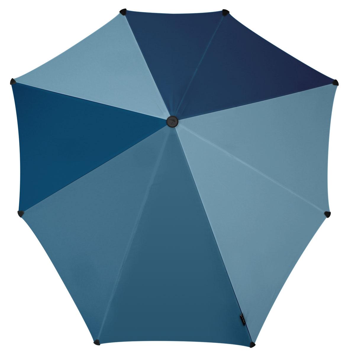 Зонт-трость Senz, цвет: темно-синий. 201108245100948B/32793/5900NИнновационный противоштормовый зонт, выдерживающий любую непогоду. Входит в коллекцию global playground, разработанную в соответствии с современными течениями fashion-индустрии. Вдохновением для дизайнеров стали улицы городов по всему земному шару. На новых принтах вы встретите уникальный микс всего, что мы открываем для себя во время путешествий: разнообразие оттенков, цветов, теней, линий и форм. Зонт Senz отлично дополнит образ, подчеркнет индивидуальность и вкус своего обладателя.Форма купола продумана так, что вы легко найдете самое удобное положение на ветру – без паники и без борьбы со стихией. Закрывает спину от дождя. Благодаря своей усовершенствованной конструкции, зонт не выворачивается наизнанку даже при сильном ветре. Модель Senz Original выдержала испытания в аэротрубе со скоростью ветра 100 км/ч. Характеристики:- тип — трость- выдерживает порывы ветра до 100 км/ч- УФ-защита 50+- удобная мягкая ручка- безопасные колпачки на кончиках спицах- в комплекте прочный чехол из плотной ткани с лямкой на плечо - гарантия 2 года