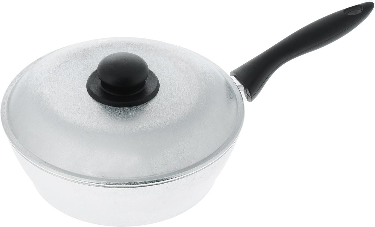 Сковорода Алита Надежда, с крышкой. Диаметр 24 см10800Сковорода Алита Надежда изготовлена из литого алюминиевого сплава. Благодаря этому пища не пригорает и не прилипает к стенкам. Готовить можно с минимальным количеством масла и жиров. Гладкая поверхность обеспечивает легкость ухода за посудой. Изделие оснащено удобной пластиковой ручкой, которая не нагревается в процессе готовки. Подходит для использования на всех типах плит, кроме индукционных. В комплекте идет крышка с пластиковой ручкой. Диаметр сковороды (по верхнему краю): 24 см. Высота стенки: 7,5 см. Длина ручки: 19 см.