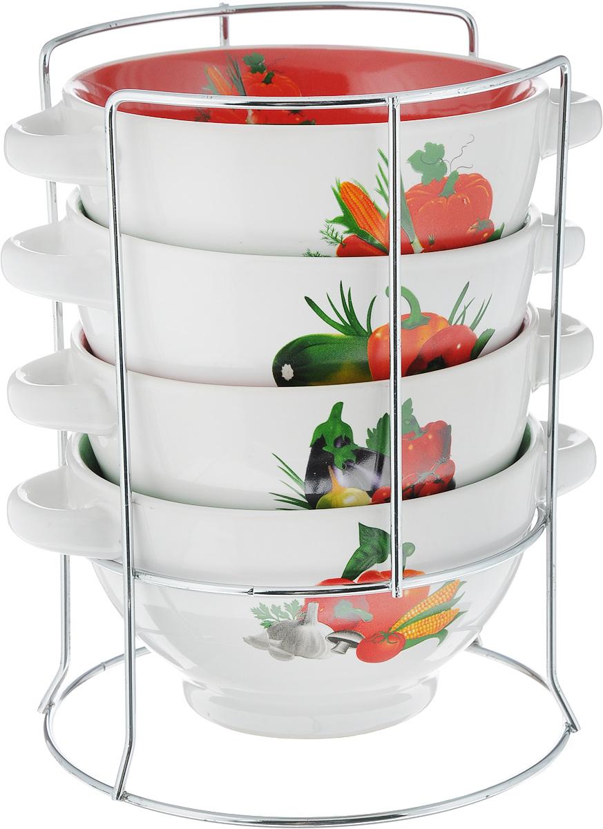 Набор супниц Loraine, на подставке, 500 мл, 4 предмета24235Для хозяек, предпочитающих современный и яркий дизайн, эти супницы будут отличным кухонным сервизом. Чашки белого-зеленого цвета с рисунком Овощи сделаны из биокерамики. Сервиз подчеркнет Ваш стиль и индивидуальность. Набор очень удобны в использовании, благодаря подставке он очень компактно расположится на вашей кухне.Пригоден для использования в микроволновой печи, холодильнике. Можно мыть в посудомоечной машине. Набор супницы Mayer&Boch - идеальный и необходимый подарок для вашего дома и для ваших друзей.