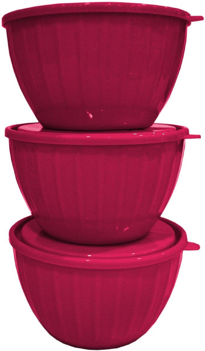 Набор салатников Giaretti Fiesta, с крышками, цвет: ягодный, 0,6 л, 3 штGR1865ЯГДСерия салатников Fiesta – новая итальянская новинка от Giaretti. Они выгодно подчеркнут Преимущества ваших блюд. Салатники объемом 0,6 л удобно помещаются друг в друга, что позволяет практично использовать пространство для хранения. Идеально подходят для подачи салатов порционно, индивидуально каждому гостю! Советуем комбинировать с салатниками Fiesta объемом 1,7 литра, 2,8 литра, а также 5 литров.