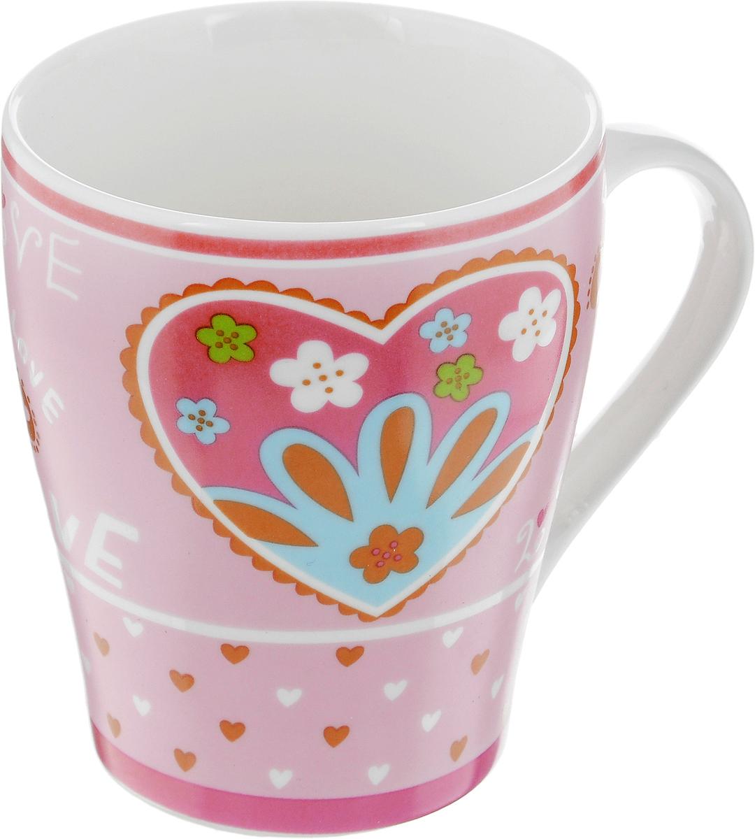 Кружка Loraine Сердце, цвет: розовый, 350 мл22113_розовыйКружка Loraine Сердце изготовлена из прочного качественного костяного фарфора. Изделие оформлено красочным рисунком. Благодаря своим термостатическим свойствам, изделие отлично сохраняет температуру содержимого - морозной зимой кружка будет согревать вас горячим чаем, а знойным летом, напротив, радовать прохладными напитками. Такой аксессуар создаст атмосферу тепла и уюта, настроит на позитивный лад и подарит хорошее настроение с самого утра. Это оригинальное изделие идеально подойдет в подарок близкому человеку. Диаметр (по верхнему краю): 8,5 см. Высота кружки: 10 см.