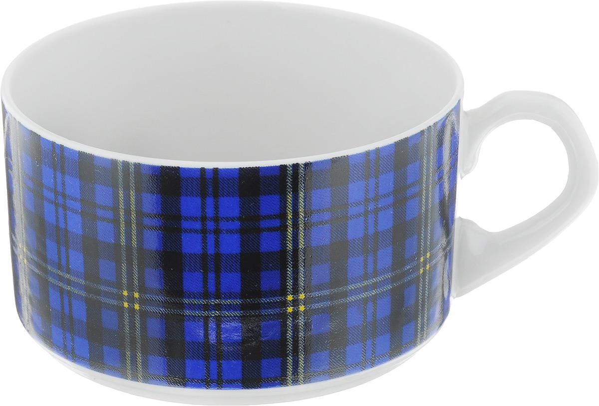 Чашка чайная Фарфор Вербилок Европейка. Шотландка, цвет: синий, черный, белый, 230 мл2074210_синяя клеткаЧашка Фарфор Вербилок Европейка. Шотландка способна украсить любое чаепитие. Изделие выполнено из высококачественного фарфора. Посуда из такого материала позволяет сохранить истинный вкус напитка, а также помогает ему дольше оставаться теплым. Внешние стенки дополнены принтом в клетку. Диаметр по верхнему краю: 8,5 см. Высота чашки: 5,5 см.