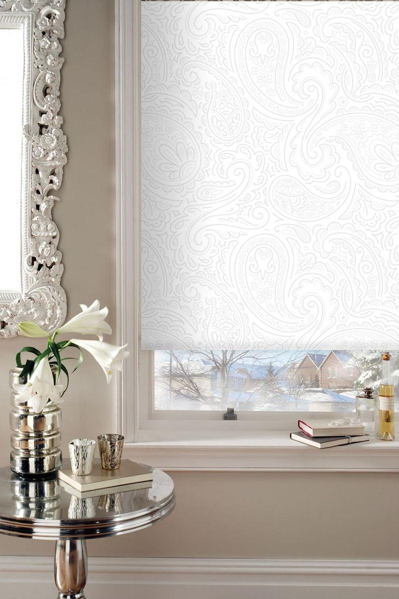 Штора рулонная Эскар Арабеска, цвет: белый, ширина 120 см, высота 160 см19201Рулонными шторами можно оформлять окна как самостоятельно, так и использовать в комбинации с портьерами. Это поможет предотвратить выгорание дорогой ткани на солнце и соединит функционал рулонных штор с красотой навесных. Основу готовых штор составляет тканевое полотно, которое при открывании наматывается на вал, закрепленный в верхней части окна. Для удобства управления и ровного натяжения полотна снизу оно утяжелено пластиной. Светонепроницаемость 60%.Полотна фиксируются с помощью трубы диаметром 25 мм. Крепление осуществляется на стену или потолок с помощью сверления.Преимущества применения рулонных штор для пластиковых окон: - имеют прекрасный внешний вид: многообразие и фактурность материала изделия отлично смотрятся в любом интерьере;- многофункциональны: есть возможность подобрать шторы способные эффективно защитить комнату от солнца, при этом она не будет слишком темной; - есть возможность осуществить быстрый монтаж.ВНИМАНИЕ! Ширина изделия указана по ширине ткани! Во время эксплуатации не рекомендуется полностью разматывать рулон, чтобы не оторвать ткань от намоточного вала. В случае загрязнения поверхности ткани, чистку шторы проводят одним из способов, в зависимости от типа загрязнения:- легкое поверхностное загрязнение можно удалить при помощи канцелярского ластика;- чистка от пыли производится сухим методом при помощи пылесоса с мягкой щеткой-насадкой;- для удаления пятна используйте мягкую губку с пенообразующим неагрессивным моющим средством или пятновыводитель на натуральной основе (нельзя применять растворители).