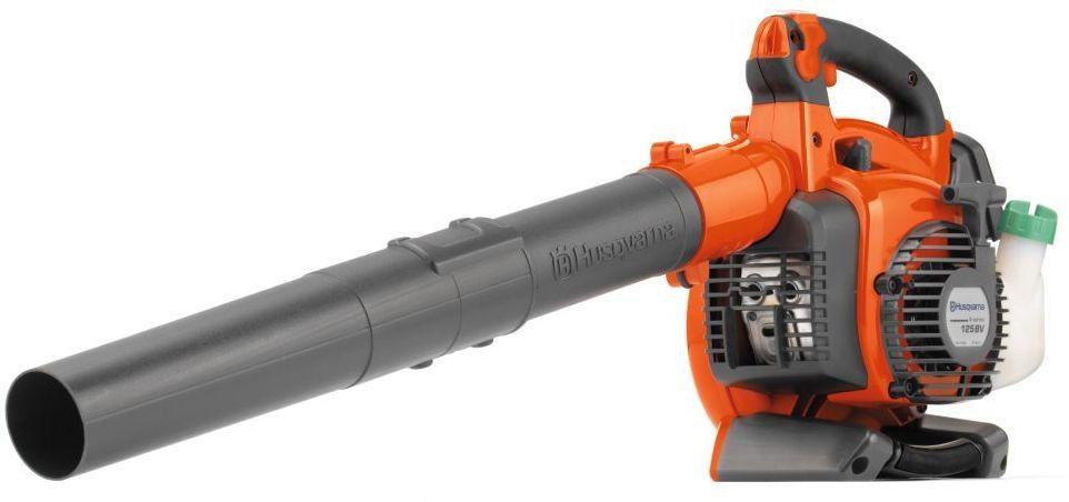 Воздуходув-пылесос Husqvarna 125 BVX9527156-45Удобный и эффективный воздуходув Husqvarna 125 BVX Blower 9527156-45 с мощным воздушным потоком и функцией пылесоса. Предназначен для уборки листвы и прочего садового мусора. Низкий уровень шума обеспечивает комфортную работу. Раструб с уникальным дизайном обеспечивает хорошую сбалансированность и легкость маневрирования. Особенности: E-TECH II - низкий уровень выбросов в отработанных газах Удобные и приятные на ощупь рукоятки с мягкой вставкой Топливоподкачивающий насос облегчает запуск Блокировка дроссельной заслонки - скорость вентилятора может быть установлена на желаемом уровне для облегчения управления Прозрачный топливный бак