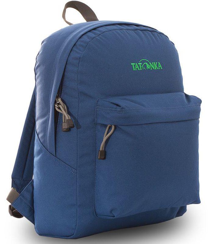 Рюкзак городской Tatonka Hunch Pack 22л, цвет: темно-синий, 41x30x17 смDI.6280.150Классический городской рюкзак. Легкий городской рюкзак с большим накладным карманом. Hunch Pack - идеальный спутник во время экскурсии по городу или короткого выезда на природу. В основном отделении достаточно места для объемных вещей, а передний карман с небольшим органайзером отлично подойдет для мелких предметов. Преимущества и особенности: Мягкие плечевые лямки, регулирующиеся по длине Прочная ручка для переноски Два бегунка на основной молнии Мини-органайзер в переднем кармане Вышитый логотип Молния YKK с технологие RC, позволяющей значительно увеличить срок службы молнии