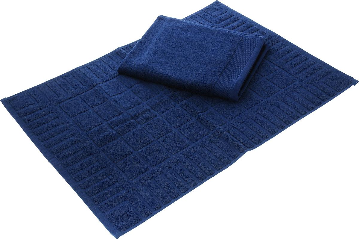 Набор Toalla: полотенце и коврик для ног, цвет: темно-синий92716951Набор Toalla состоит из полотенца и коврика для ног. Изделия выполнены из 100% хлопка. Ткань изделий обладает высокой плотностью и мягкостью, отличается высоким качеством и длительным сроком службы. В процессе эксплуатации материал становится только мягче и приятней на ощупь. Египетский хлопок не содержит линта (хлопковый пух), поэтому на ткани не образуются катышки даже после многократных стирок и длительного использования. Сверхдлинные волокна придают ткани характерный красивый блеск. Изделия отлично впитывают влагу и быстро сохнут. Такой набор красиво дополнит интерьер ванной комнаты и станет практичным приобретением. Коврик оформлен рельефным геометрическим рисунком. Плотность полотенца: 500 г/м2. Плотность коврика: 700 г/м2.