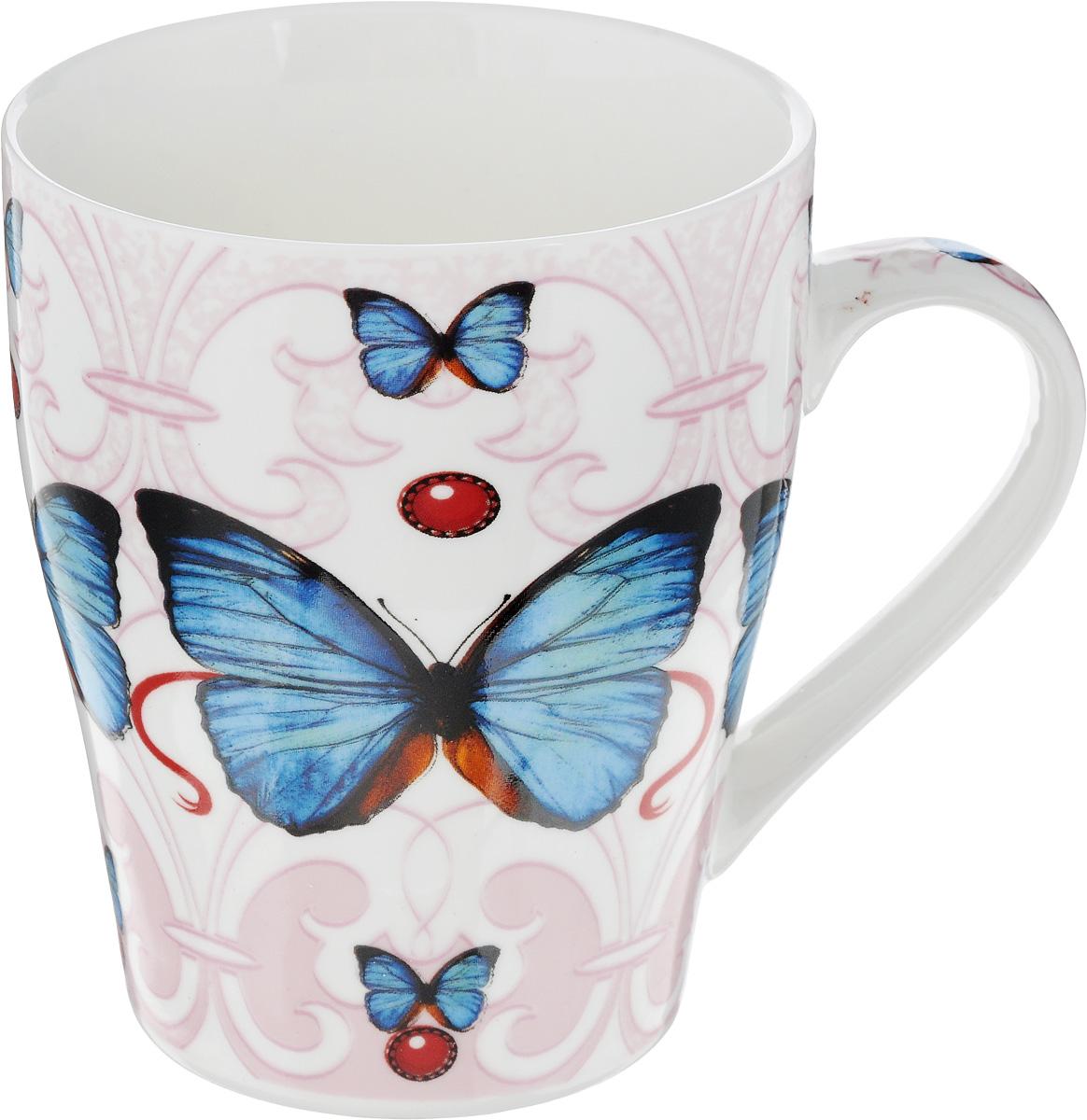 Кружка Loraine Бабочка, цвет: белый, розовый, синий, 340 млVT-1520(SR)Кружка Loraine Бабочка изготовлена из высококачественного костяного фарфора и оформлена стильным рисунком. Изящный дизайн придется по вкусу и ценителям классики, и тем, кто предпочитает современный стиль. Она настроит на позитивный лад и подарит хорошее настроение с самого утра. Кружка Loraine Бабочка - идеальный и необходимый подарок для вашего дома и для ваших друзей в праздники.Диаметр кружки: 8 см.Высота стенки: 10 см.
