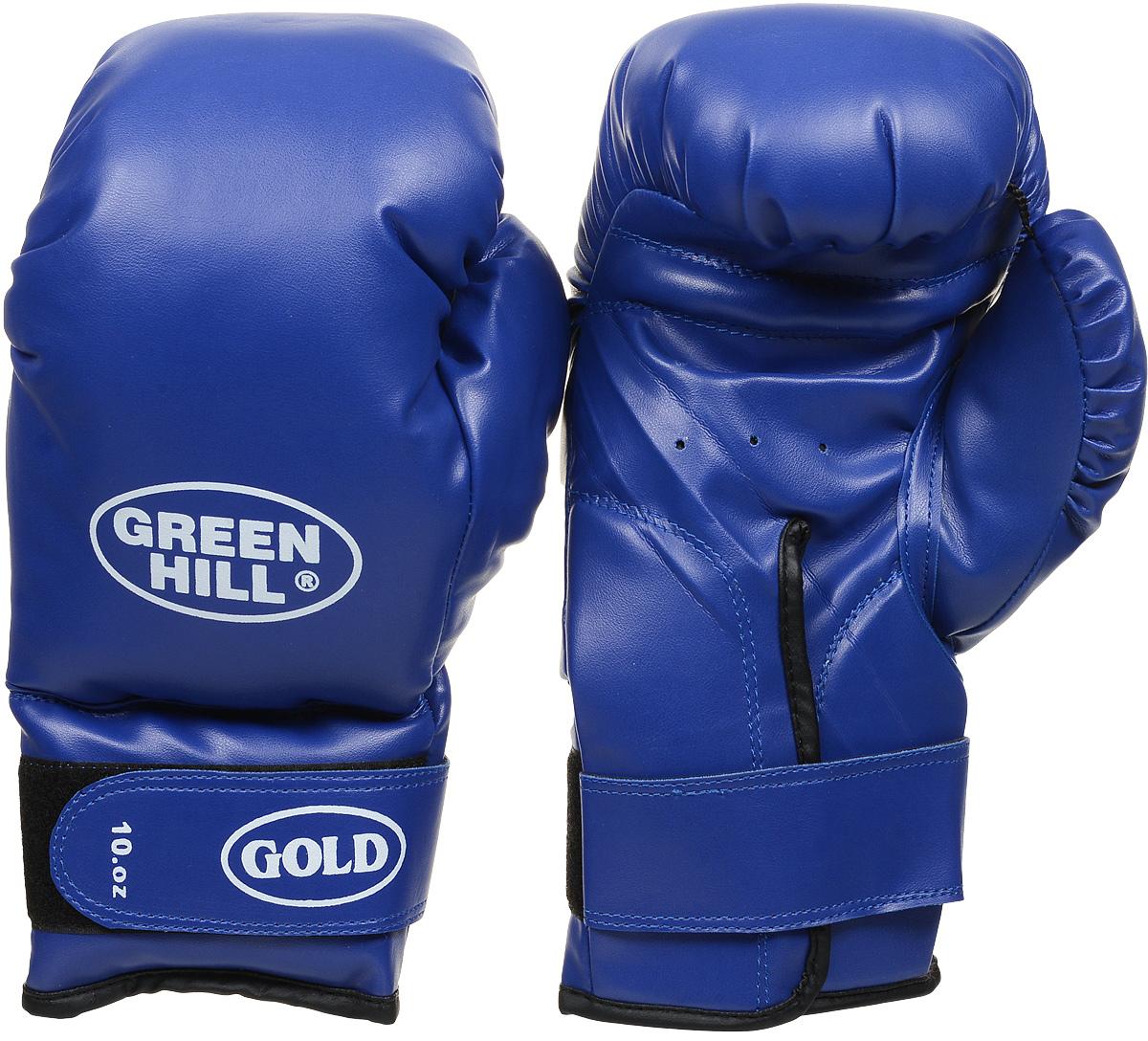 Перчатки боксерские Green Hill Gold, цвет: синий. Вес 10 унцийBGG-2030Боксерские тренировочные перчатки Green Hill Gold отлично подойдут для начинающих спортсменов. Верх выполнен из искусственной кожи. Мягкий наполнитель из очеса предотвращает любые травмы. Широкий ремень, охватывая запястье, полностью оборачивается вокруг манжеты, благодаря чему создается дополнительная защита лучезапястного сустава от травмирования. Застежка на липучке способствует быстрому и удобному одеванию перчаток, плотно фиксирует перчатки на руке.