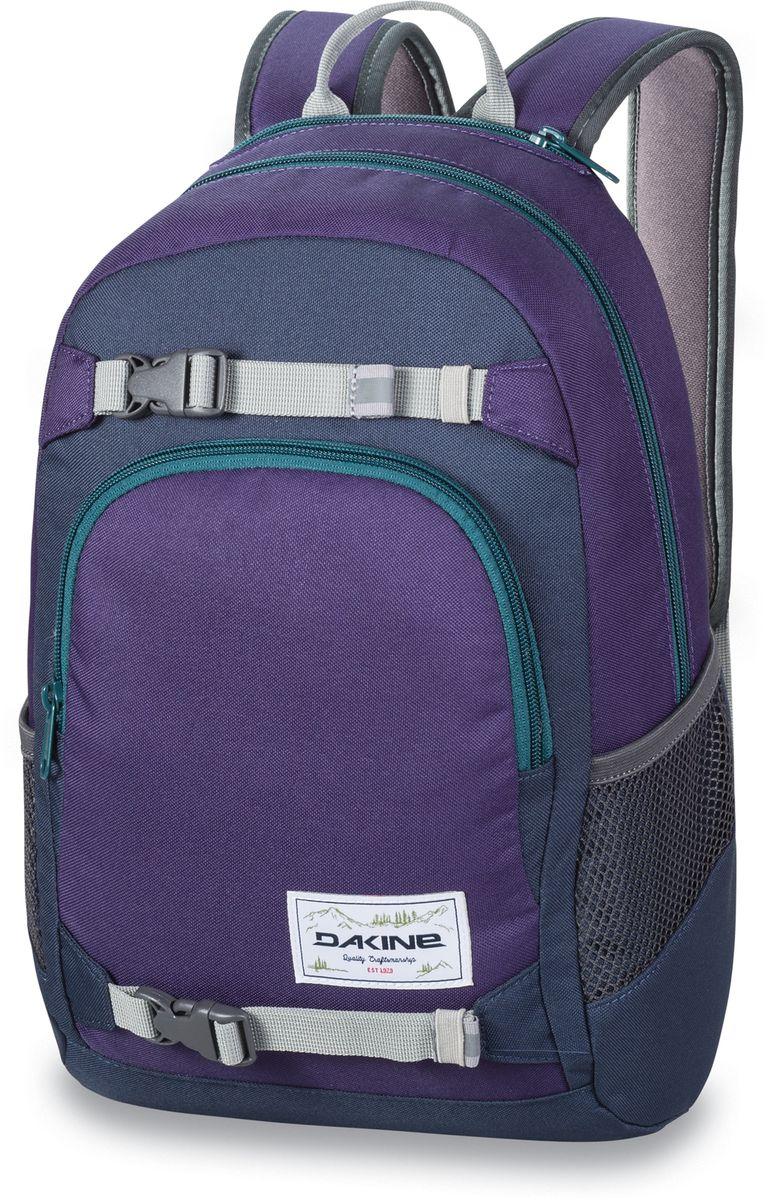 Рюкзак городской Dakine Grom, цвет: фиолетовый, бирюзовый, 13 лH009Городской рюкзак Dakine Grom выполнен из полиэстера. Основным достоинством является удобная система крепления скейтборда. Модель с одним отделением застегивается на молнию. Имеет карман для солнцезащитных очков на флисовой подкладке, удобные регулируемые лямки с нагрудным регулируемым ремнем-фиксатором, боковые сетчатые карманы на резинках и удобную эргономичную спинку.
