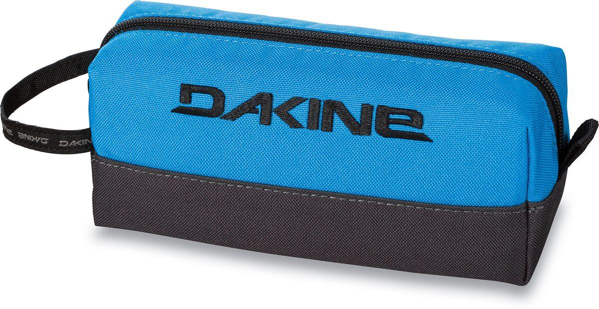 Сумка для аксессуаров Dakine Accessory, цвет: синий, черный, 0,3 лBM8434-58AEСумка для аксессуаров Dakine Accessory выполнена из полиэстера и застегивается на молнию. Можно использовать в качестве пенала, косметички, сумочки для проводов.