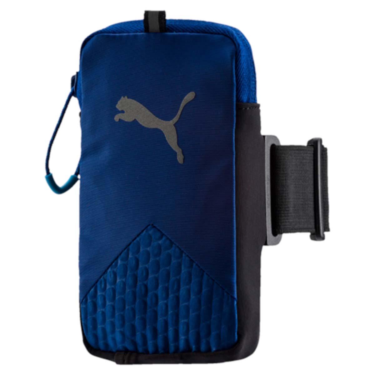 Сумка-чехол для моб устройств Puma Pr Arm Pocket, цвет: синий. 05314202GG-776Чехол на руку PR Arm Pocket - это незаменимый аксессуар для спортсменов и людей, ведущих активный образ жизни. Изделие предназначено для ношения смартфона. Оно крепится к плечу на эластичном ремне и оснащено специальным выходом для подключения наушников или гарнитуры. Подходит для электронных устройств размером 8 см x 14 см. Основное отделение на застежке-молнии. У модели сетчатая вставка на задней части, выход для аудио-кабеля, светоотражающие шнурки на застежках-молниях, светоотражающий логотип бренда.