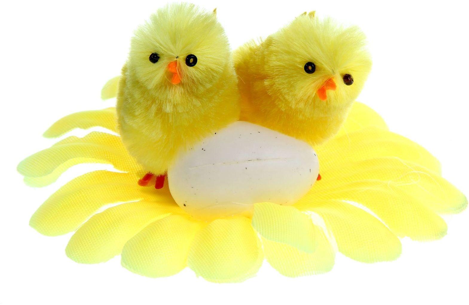 Сувенир пасхальный Sima-land Парочка с яйцом на цветке, 9 х 9 х 5 см945821Сувенир Парочка с яйцом на цветке - самый популярный пасхальный декор. Фигурками цып принято декорировать праздничный пасхальный стол во многих странах мира. Россия не исключение. Вы можете украсить таким замечательным сувениром тарелку гостей, превратив её в гнездо. Или преподнести его в качестве подарка близкому человеку.