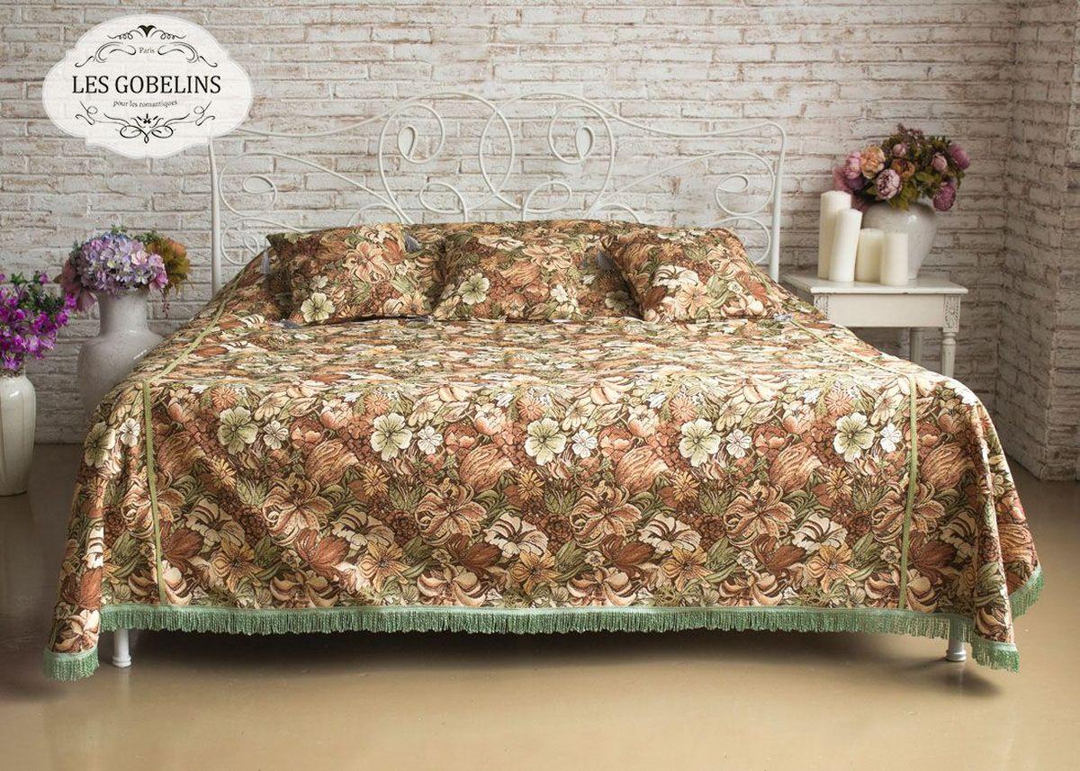 Покрывало на кровать Les Gobelins Art Nouveau Lily, 240 х 220 смНВЛ-40 Слон/персиковый/Покрывало на кровать Les Gobelins Art Nouveau Lily с ярким цветочным рисунком привлечет к себе внимание и органично впишется в интерьер комнаты. Изделие изготовлено из высококачественной ткани гобелен и оформлено бахромой и кисточками. Необычайная красота сочетается в этом покрывале с высокой прочностью и долговечностью, а свойство гобелена по-разному проявлять себя в зависимости от освещения помещения позволяет открывать все новые и новые детали, которые, как казалось, раньше скрывал гобелен.Красочное и приятное на ощупь покрывало сделает интерьер спальни, детской или гостиной уютнее и своеобразнее. Состав материала: 50% хлопок, 50% полиэстер.