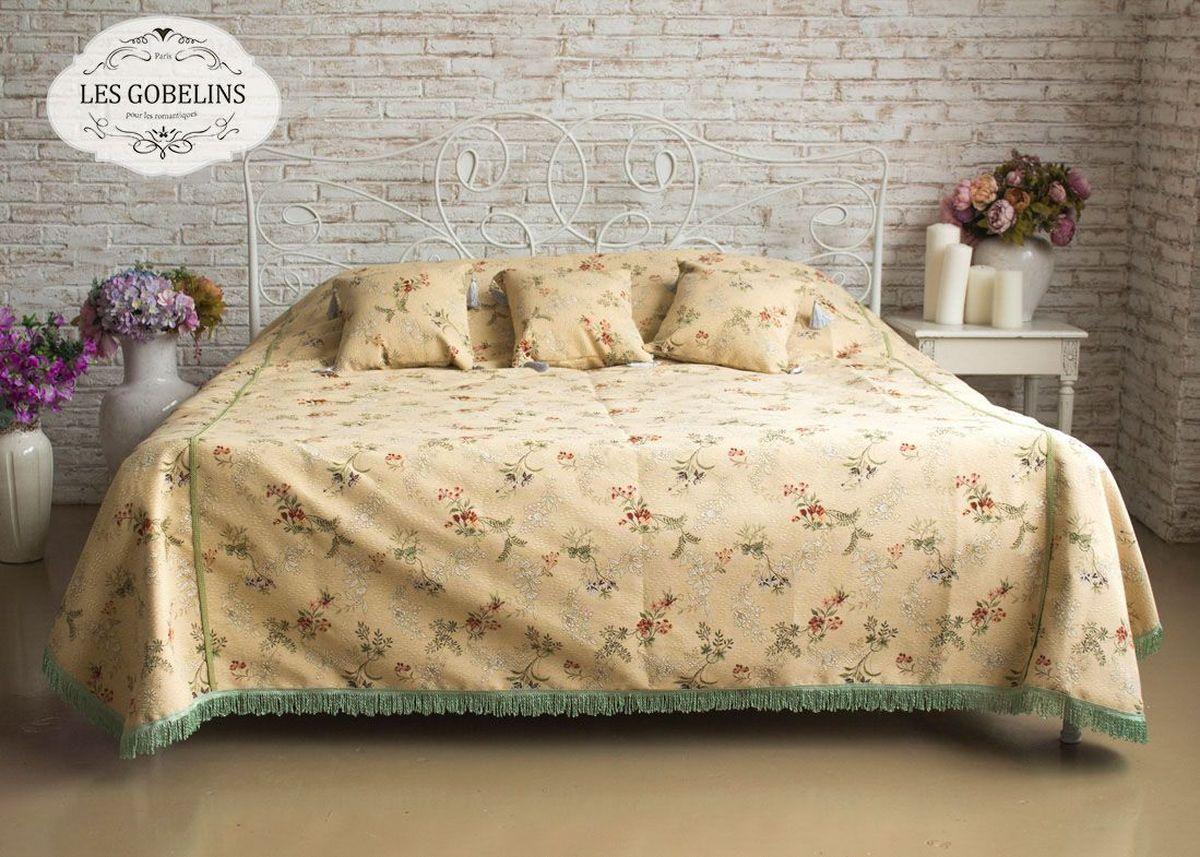 Покрывало на кровать Les Gobelins Nymphe, 240 х 260 смlns188268Покрывало на кровать Les Gobelins Nymphe с ярким цветочным рисунком привлечет к себе внимание и органично впишется в интерьер комнаты. Изделие изготовлено из высококачественной ткани гобелен и оформлено бахромой и кисточками. Необычайная красота сочетается в этом покрывале с высокой прочностью и долговечностью, а свойство гобелена по-разному проявлять себя в зависимости от освещения помещения позволяет открывать все новые и новые детали, которые, как казалось, раньше скрывал гобелен.Красочное и приятное на ощупь покрывало сделает интерьер спальни, детской или гостиной уютнее и своеобразнее. Состав материала: 50% хлопок, 50% полиэстер.