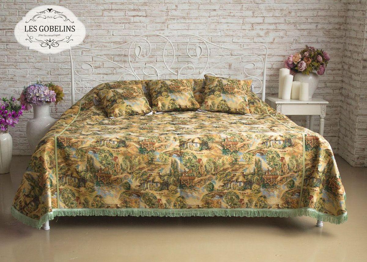 Покрывало на кровать Les Gobelins Provence, 240 х 260 см531-401Покрывало на кровать Les Gobelins Provence с ярким рисунком привлечет к себе внимание и органично впишется в интерьер комнаты. Изделие изготовлено из высококачественной ткани гобелен и оформлено бахромой и кисточками. Необычайная красота сочетается в этом покрывале с высокой прочностью и долговечностью, а свойство гобелена по-разному проявлять себя в зависимости от освещения помещения позволяет открывать все новые и новые детали, которые, как казалось, раньше скрывал гобелен.Красочное и приятное на ощупь покрывало сделает интерьер спальни, детской или гостиной уютнее и своеобразнее. Состав материала: 45% хлопок, 55% полиэстер.
