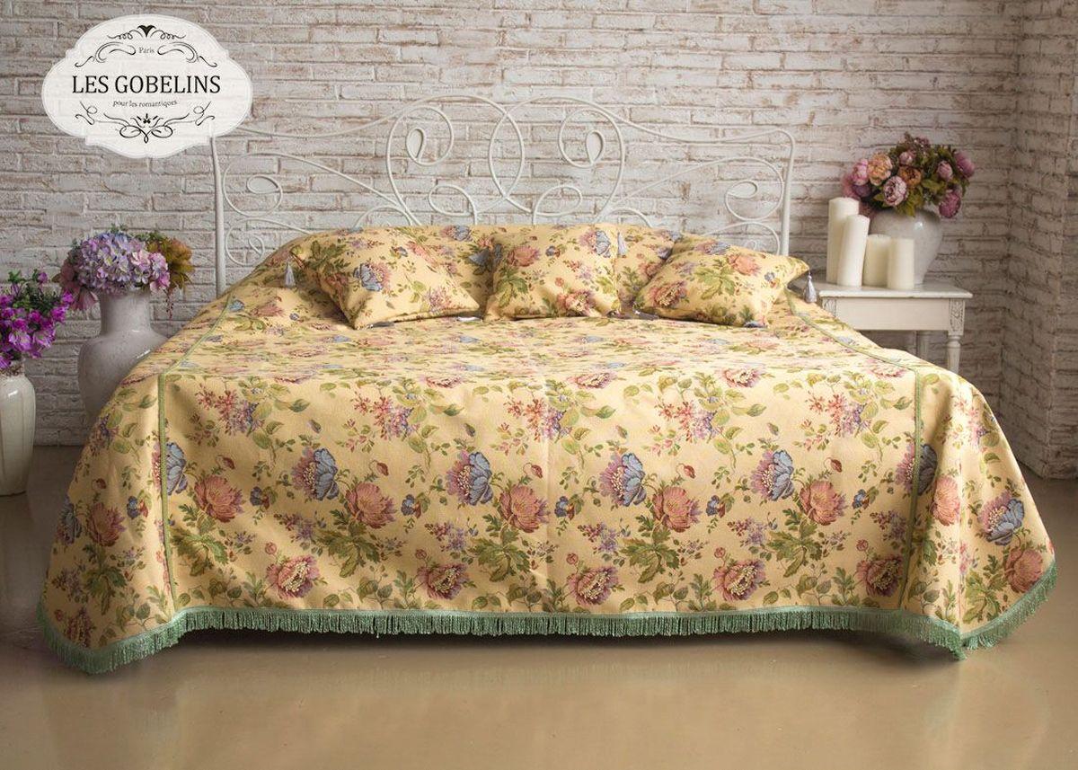 Покрывало на кровать Les Gobelins Gloria, 260 х 240 смlns188012Покрывало на кровать Les Gobelins Gloria с ярким цветочным рисунком привлечет к себе внимание и органично впишется в интерьер комнаты. Изделие изготовлено из высококачественной ткани гобелен и оформлено бахромой и кисточками. Необычайная красота сочетается в этом покрывале с высокой прочностью и долговечностью, а свойство гобелена по-разному проявлять себя в зависимости от освещения помещения позволяет открывать все новые и новые детали, которые, как казалось, раньше скрывал гобелен.Красочное и приятное на ощупь покрывало сделает интерьер спальни, детской или гостиной уютнее и своеобразнее. Состав материала: 48% хлопок, 52% полиэстер.
