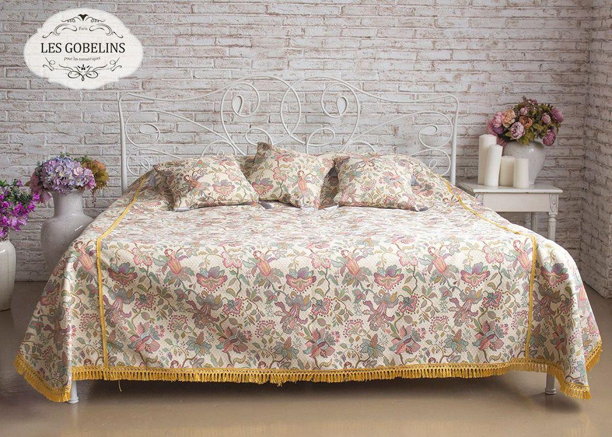 Покрывало на кровать Les Gobelins Loche, 240 х 220 смlns188092Покрывало на кровать Les Gobelins Loche с ярким рисунком привлечет к себе внимание и органично впишется в интерьер комнаты. Изделие изготовлено из высококачественной ткани гобелен и оформлено бахромой и кисточками. Необычайная красота сочетается в этом покрывале с высокой прочностью и долговечностью, а свойство гобелена по-разному проявлять себя в зависимости от освещения помещения позволяет открывать все новые и новые детали, которые, как казалось, раньше скрывал гобелен.Красочное и приятное на ощупь покрывало сделает интерьер спальни, детской или гостиной уютнее и своеобразнее. Состав материала: 52% хлопок, 48% полиэстер.