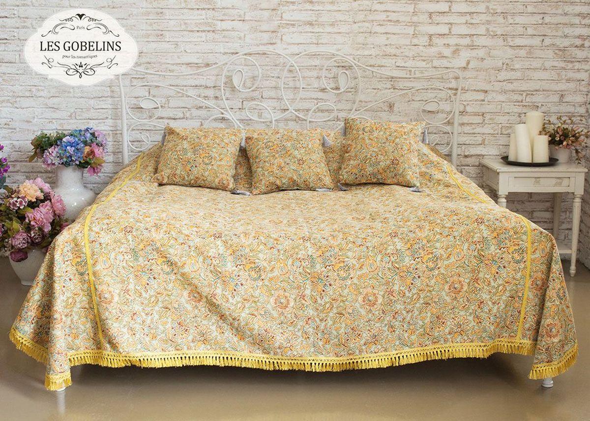 Покрывало на кровать Les Gobelins Vitrail De Printemps, 260 х 240 смlns186991Покрывало на кровать Les Gobelins Vitrail De Printemps с ярким цветочным рисунком привлечет к себе внимание и органично впишется в интерьер комнаты. Изделие изготовлено из высококачественной ткани гобелен и оформлено бахромой и кисточками. Необычайная красота сочетается в этом покрывале с высокой прочностью и долговечностью, а свойство гобелена по-разному проявлять себя в зависимости от освещения помещения позволяет открывать все новые и новые детали, которые, как казалось, раньше скрывал гобелен.Красочное и приятное на ощупь покрывало сделает интерьер спальни, детской или гостиной уютнее и своеобразнее. Состав материала: 52% хлопок, 48% полиэстер.