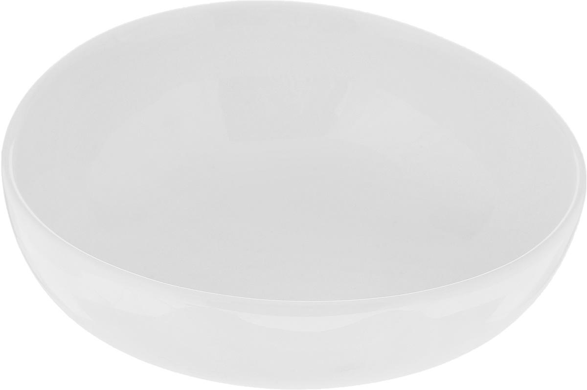 Салатник Ariane Коуп, 320 мл115510Салатник Ariane Коуп, изготовленный из высококачественного фарфора с глазурованным покрытием, прекрасно подойдет для подачи различных блюд: закусок, салатов или фруктов. Такой салатник украсит ваш праздничный или обеденный стол.Можно мыть в посудомоечной машине и использовать в микроволновой печи.Диаметр салатника (по верхнему краю): 13,5 см.Высота стенки: 4,5 см.Объем салатника: 320 мл.