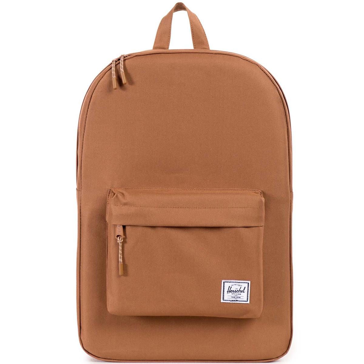 Рюкзак городской Herschel Classic (A/S), цвет: светло-коричневый. 828432048359828432048359Рюкзак Herschel Classic целиком и полностью оправдывает свое название, выражая совершенство в лаконичных и идеальных линиях. Этот рюкзак создан для любых целей и поездок и отлично впишется в абсолютно любой стиль.