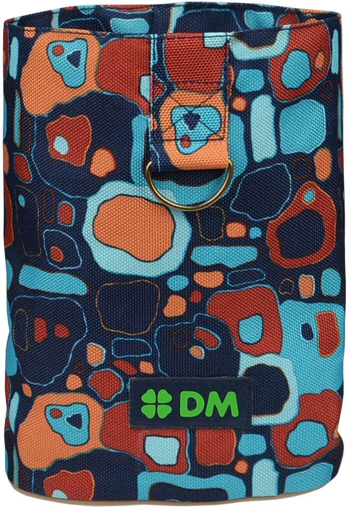 Сумочка для лакомств Dogmoda Сити0120710Сумка небольшая, компактная, удобна при дрессировке собаки, на прогулке и на выставке. Сверху утягивается шнуром, поэтому лакомство не просыпается.Сумка изготовлена из прочной водоотталкивающей ткани.