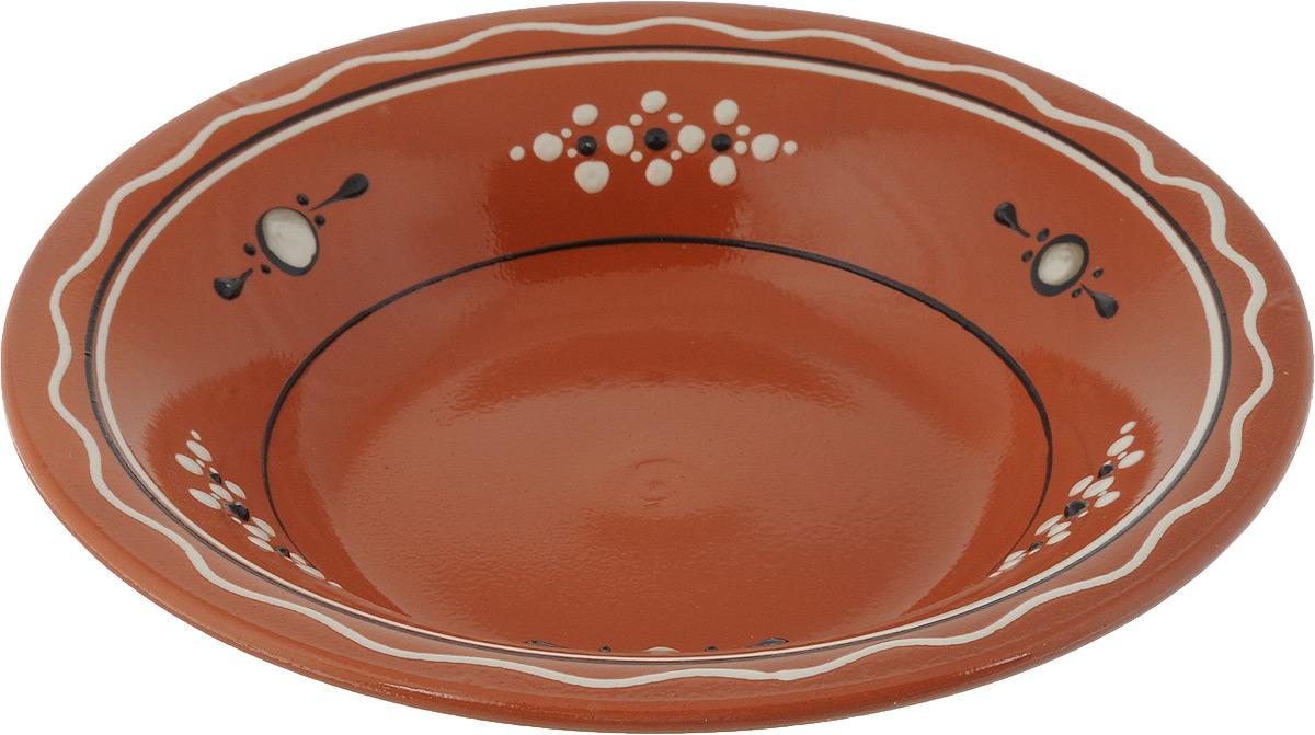 Тарелка суповая Ломоносовская керамика Оятская, диаметр 22 см2ТС-22Тарелка суповая Ломоносовская керамика Оятская, изготовленная из глины, имеет изысканный внешний вид. Оригинальный дизайн тарелки украшен эксклюзивным орнаментом, который придется по вкусу и ценителям классики, и тем, кто предпочитает современный стиль. Тарелка Ломоносовская керамика Оятская впишется в любой интерьер современной кухни и станет отличным подарком для вас и ваших близких. Объем: 0,5 л. Диаметр тарелки: 22 см, Высота: 4 см.