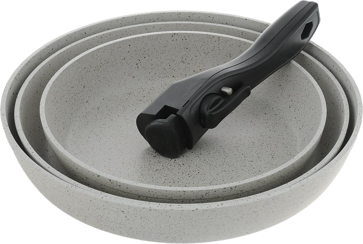 Набор посуды Travola, с мраморным покрытием, цвет: серый, 4 предметаLJ-FMKP22/26/28Набор посуды Travola состоит из трех сковородок и съемной ручки. Изделия выполнены из алюминия с мраморным покрытием. Ручка выполнена из высококачественного пластика со съемным механизмом. Такой набор не только станет незаменимым помощником в приготовлении ваших любимых блюд, но и стильно оформит интерьер кухни. При приготовлении не использовать металлические аксессуары. Не использовать для мытья металлические щетки и абразивные материалы. Не рекомендуется хранить готовые блюда в сковородах, в особенности овощные блюда. Можно использовать на всех видах плит, кроме индукционных. Высота стенок: 5,2 см; 4,4 см; 4,3 см. Внутренний диаметр сковороды (по верхнему краю): 28 см; 26 см; 22 см. Толщина стенок посуды: 4 мм. Толщина дна посуды: 5 мм. Длина ручки: 16,5 см. * Победитель номинации «Лучшая собственная торговая марка в сегменте ONLINE» Премия PRIVATE LABEL AWARDS (by IPLS) —международная премия в области...