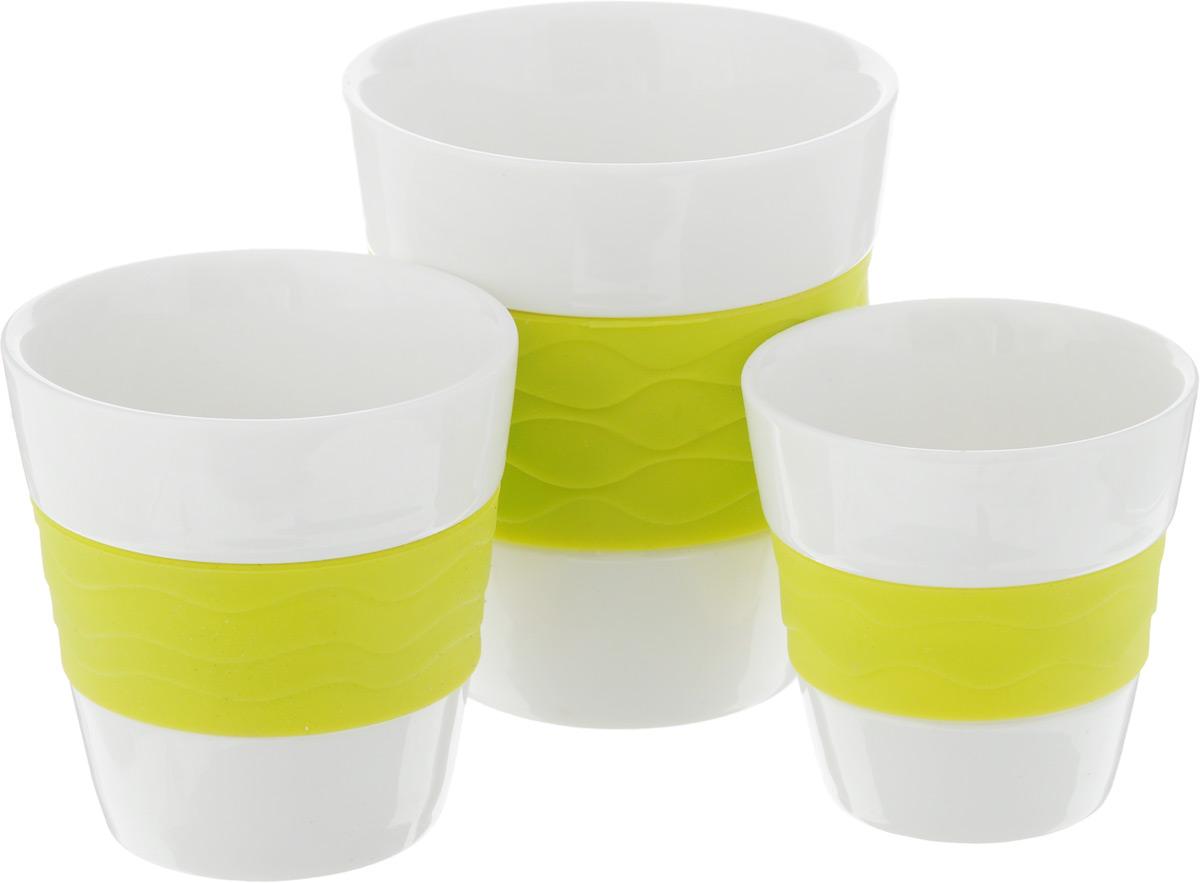Набор стаканов для чая и кофе Oursson, с силиконовой вставкой, 3 предметаTW89552/GAНабор из керамических стаканов для чая и кофе Oursson изготовлен из керамики с силиконовой вставкой. В набор входят 3 керамических стакана. Такие стаканы прекрасно оформят сервировку стола к чаепитию. Можно мыть в посудомоечной машине и использовать в СВЧ-печи. Объем стаканов: 0,3 л, 0,17 л, 0,1 л. Диаметр (по верхнему краю): 8,5 см, 7 см, 6 см. Высота: 9,5 см, 7,5 см, 6,5 см.