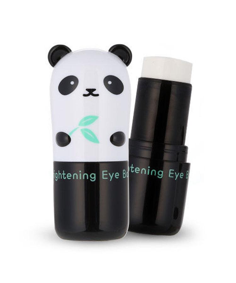 TonyMoly Осветляющая база вокруг глаз Pandas Dream Brightening Eye Base, 9 гр0003934Средство имеет осветляющий эффект для кожи. В его состав входит полезный экстракт жемчуга, осуществляющий поддержку оптимальной влажности кожи. Средство способно эффективно защищать кожу и беречь ее от пагубного влияния ультрафиолета.Имеет противодействующее влияние на пигментацию кожи. Способствует замедлению процессов синтеза меланина. Из-за достаточно большого содержания в экстракте жемчуга минеральных солей, клетки кожи получают эффективное питание, что способствует разглаживаю морщин и моментально улучшается цвет кожи.